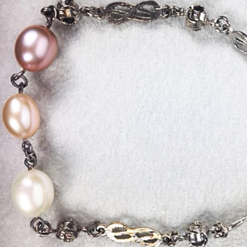 Bracciale con perle rosate